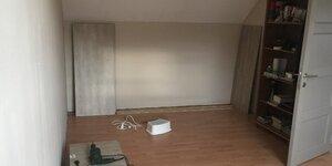 Fabriquer un meuble de rangement dans une chambre mansardée