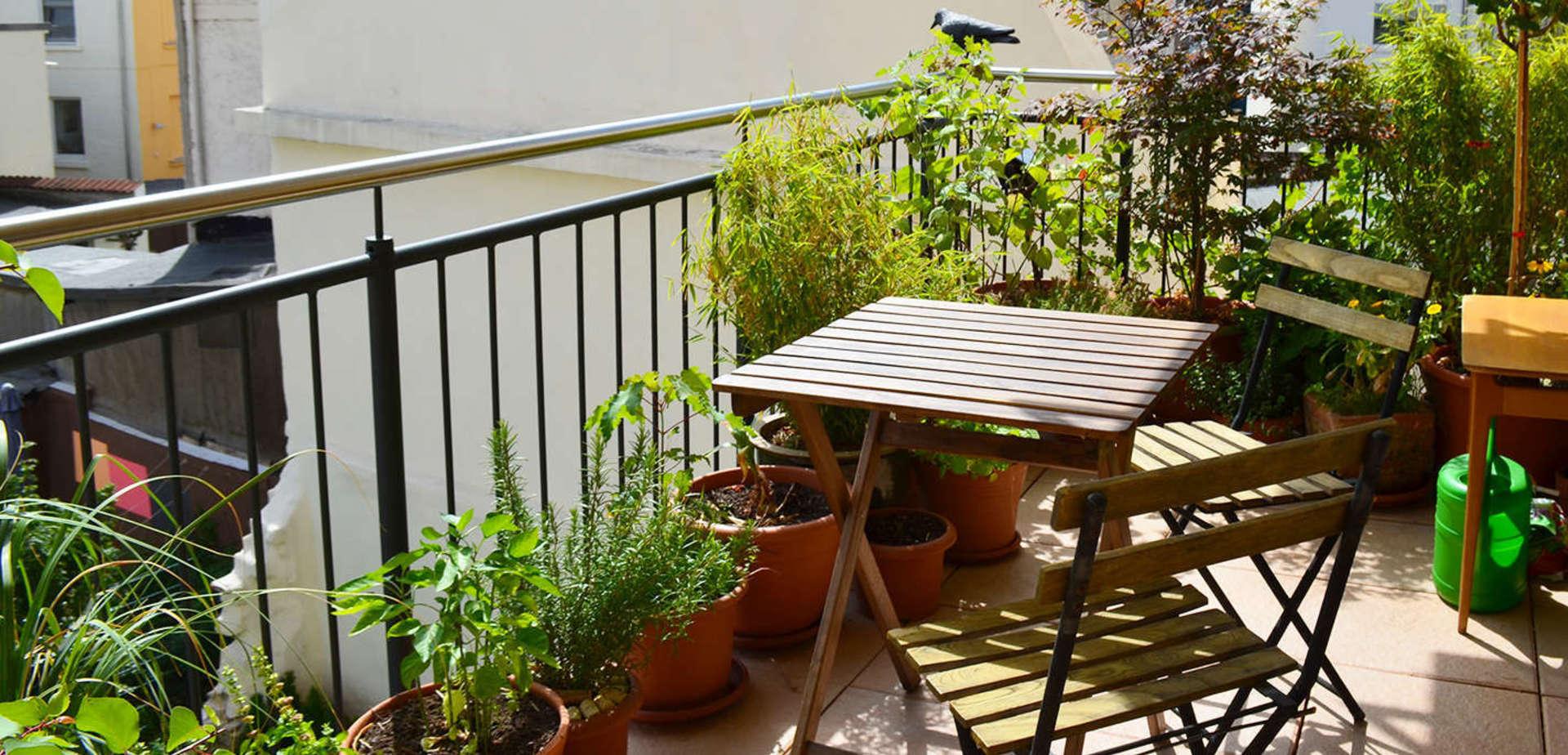 Aménager Son Balcon Avec Des Palettes aménager son balcon : 6 conseils pour un beau balcon | brico.be