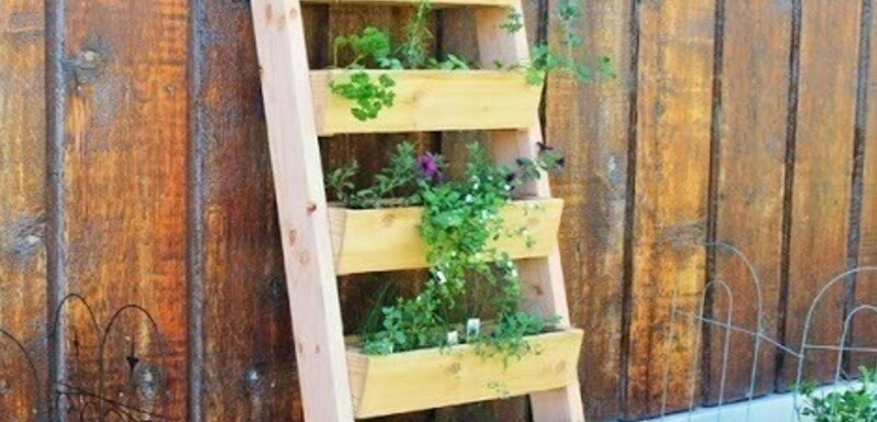 Plantenbak voor op het balkon