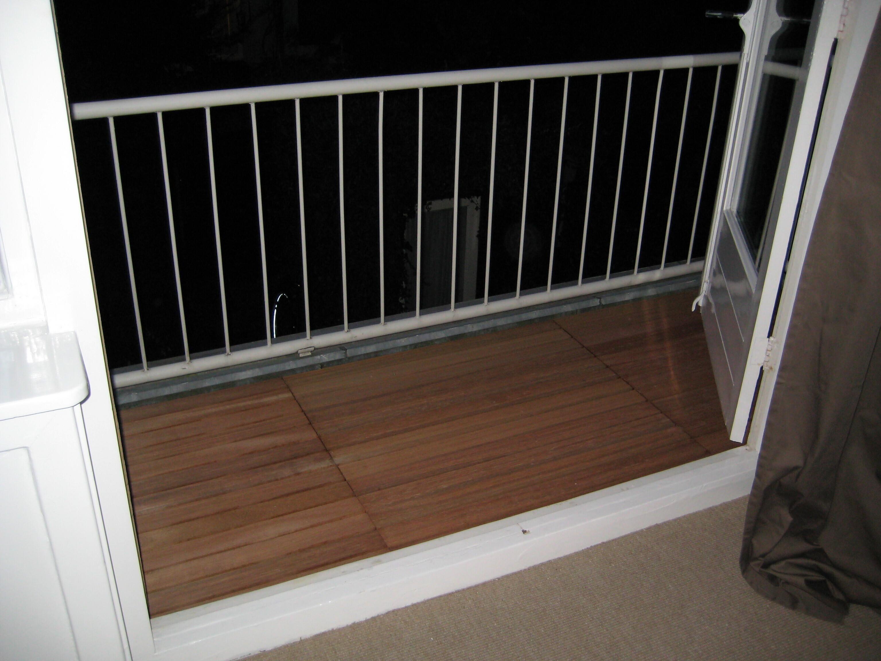 Genoeg Een verhoogd terras op je balkon - Brico | Voor de makers LM32