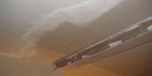 Percer un trou dans le plafond