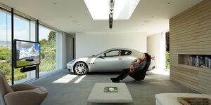 Garage de rêve pour tout amateur de voitures