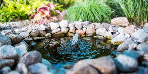Tuinfonteinen en kleine vijvers