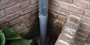 Réparer un tuyau de descente des eaux pluviales