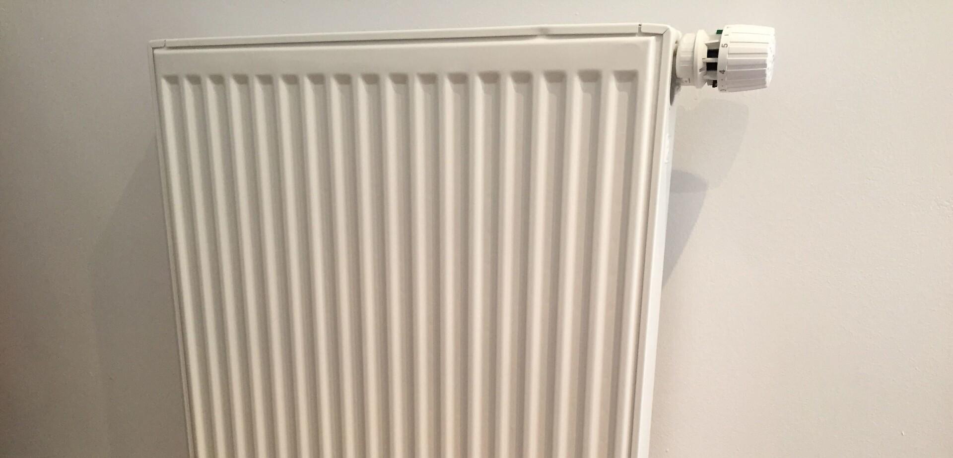 Comment Cacher Des Tuyau De Chauffage installer un radiateur | Étape par étape | brico.be