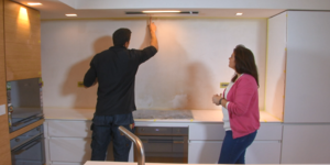 Conseil-bricolage: Placer une crédence de cuisine