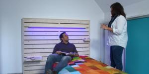 Klustip: Maak een hoofdeinde met gekleurde LED-lampen