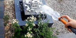 Conseil-bricolage: Bouteille PET sur un tuyau d'arrosage