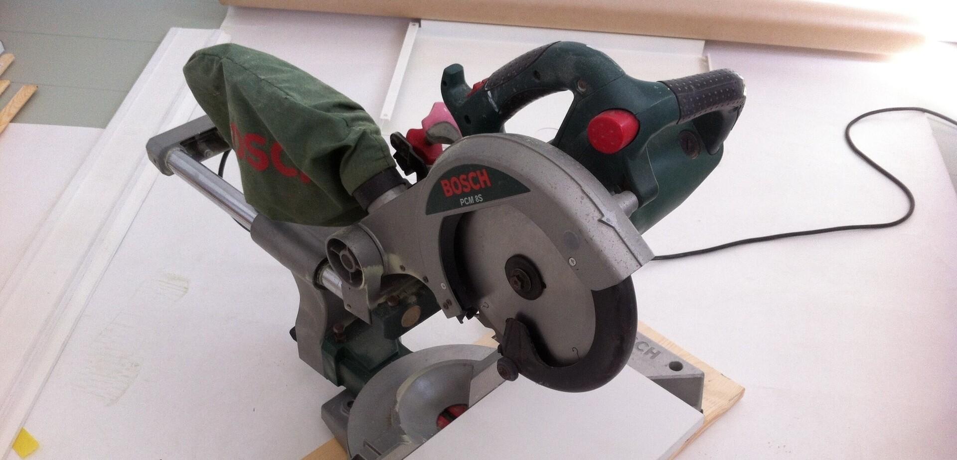 Comment Fabriquer Des Plinthes En Bois faire des plinthes hautes | Étape par étape | brico.be
