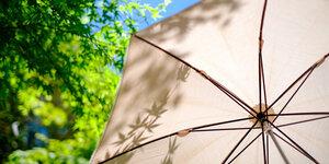 Parasol of overkapping: creëer meer schaduw met deze 3 tips