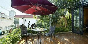 Choisir un parasol pour son balcon ou sa terrasse : voici nos conseils