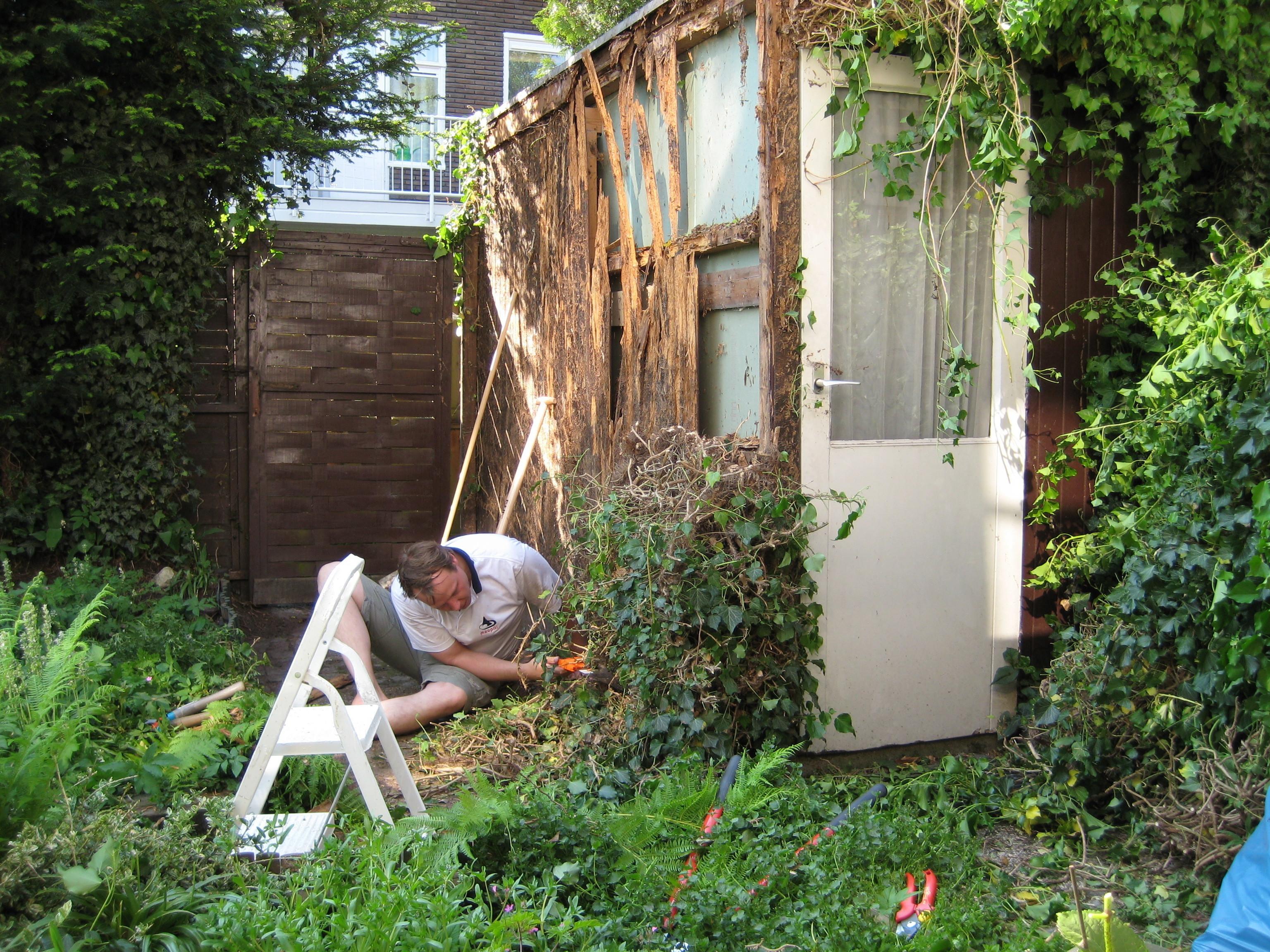 Sur Quoi Poser Un Abri De Jardin réparer un abri de jardin | Étape par étape | brico.be